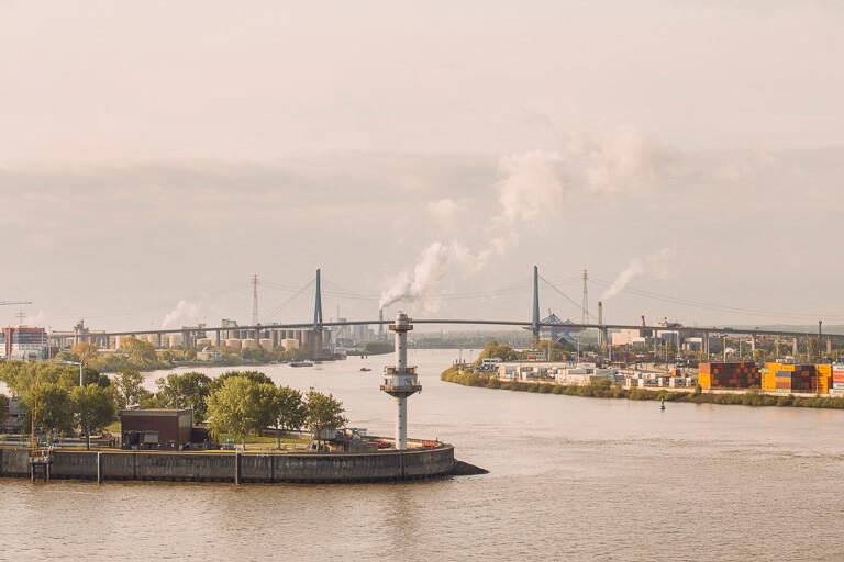 Мост Кольбрандбрюке через Эльбу в Гамбурге