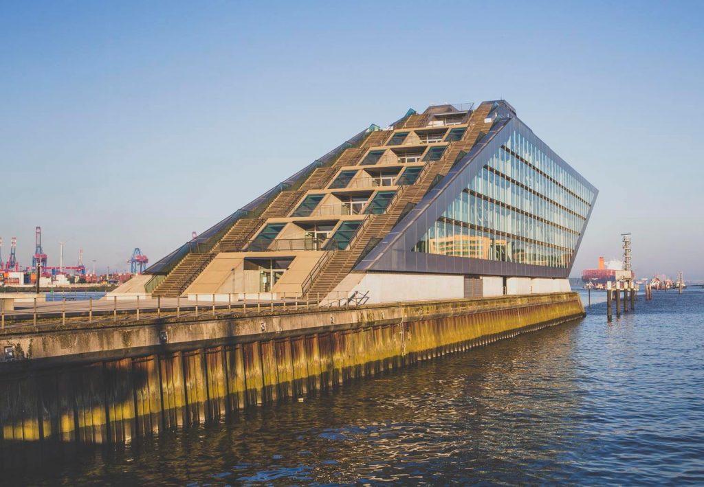 """Офисное здание """"Докланд"""" в Гамбурге, архитектор - Хади Теграни"""