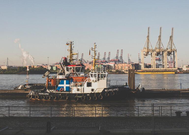 "Буксир ""Вильхельмина"" в порту Гамбурга"