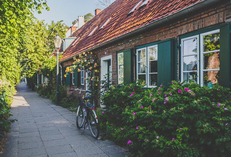 Старые капитанские домики в гамбургском районе Овельгенне