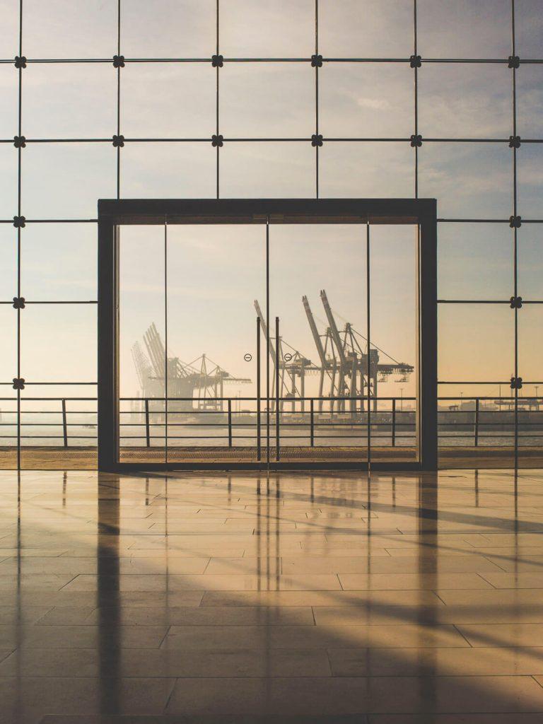 Окно с видом на гамбургский порт