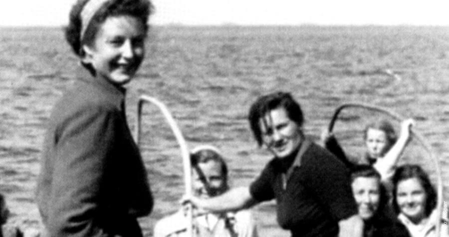 Аннализа Титц, первая женщина-капитан Германии