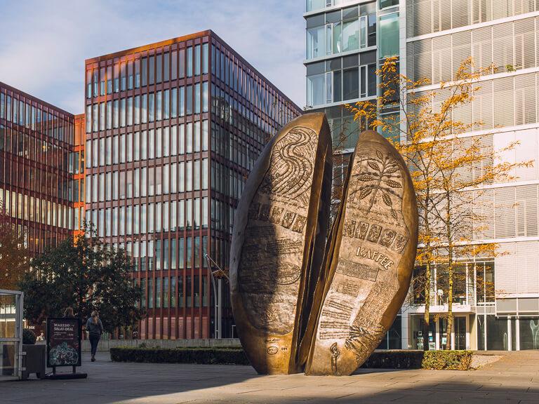 Памятник кофейному зерну в Гамбурге, Хафен-Сити