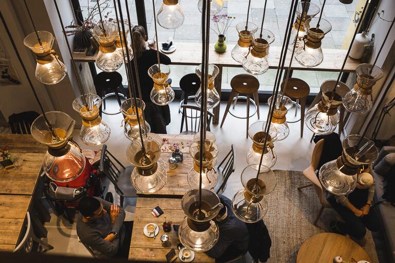 "Необычная люстра в кафе ""Цайт"", Гамбург"